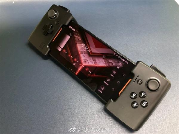 网赚资料华硕ROG游戏手机2将为腾讯游戏定制 支持120Hz屏幕