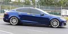 特斯拉Model S在纽博格林赛道上