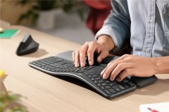 罗技推出Ergo K860人体工学键盘