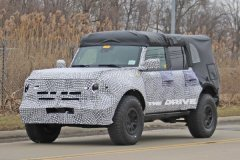福特新款Bronco曝光 将搭载2.3升