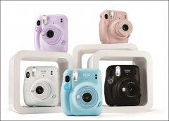 富士推出Instax Mini 11拍立得相机 具有自拍