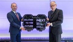 宝马展示全新纯电动SUV车型iNEXT量产版前中网