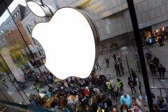 苹果公司市值达到1.8万亿美元 重回全球第一